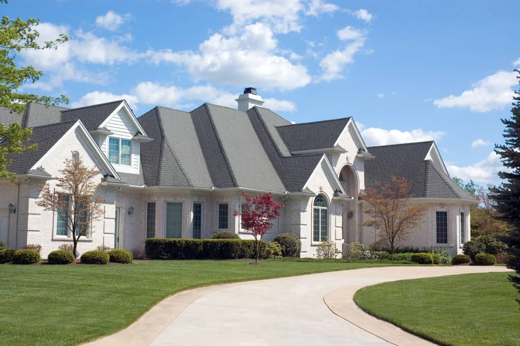 Residential home with a new roof in St. Louis, MO